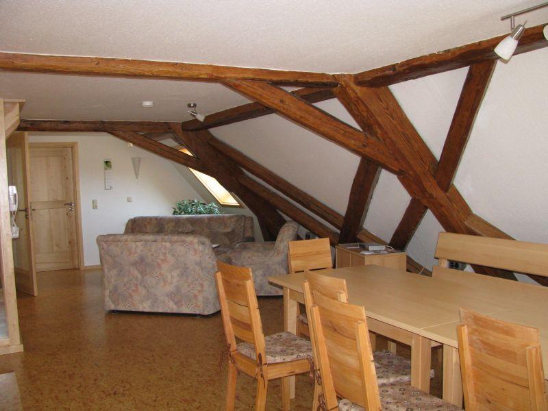 Wohnungraum Dachgeschoss